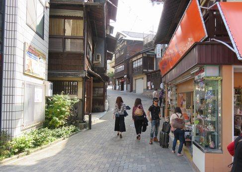 瑞宝寺公園への道のり
